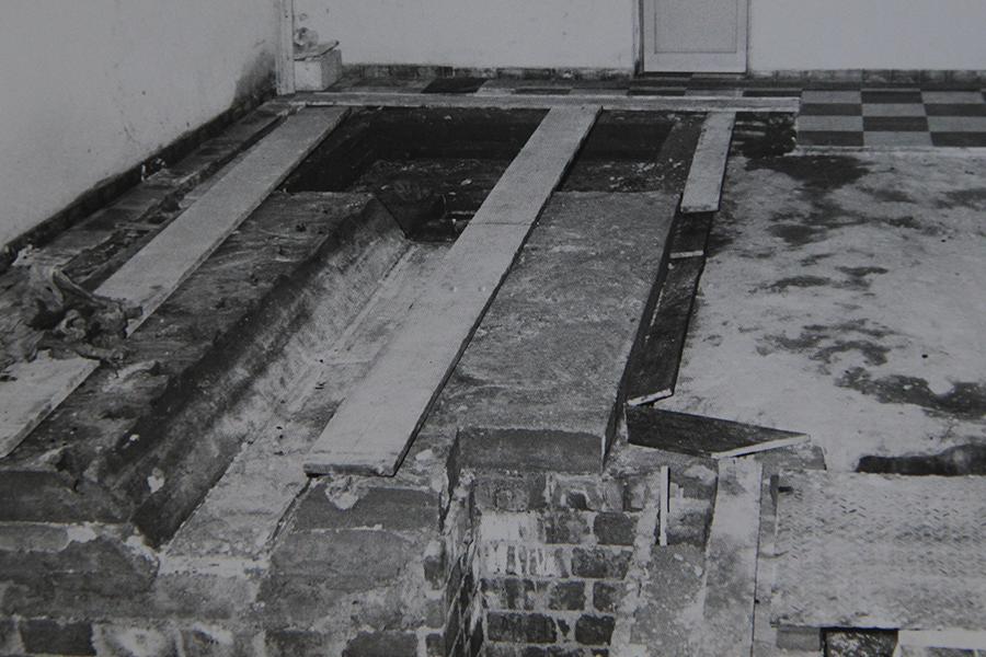 En la usina eléctrica, antigua base construída para la instalación de los motores de generación eléctrica. Año 1965