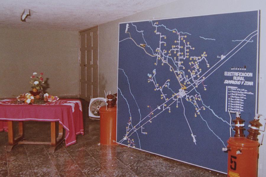 Inauguración de la electrificación rural con un plano correspondiente a ese año: 1980.